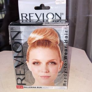 Revlon  Ready-To-Wear Ballerina Bun Silver Lining